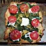Ma pâte à pizza sans gluten (vegan et sans lactose) est garnie de pesto fait au Thermomix, de mozzarelle et de tomates de mon jardin
