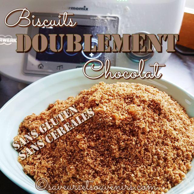 Mixés ensemble au Thermomix, des amandes, du cacao et du sucre de fleur de coco forment l'essence de ces biscuits diablement bons